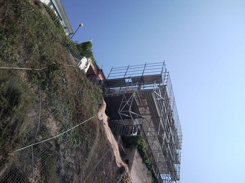 Noleggio ed installazione ponteggi edili e autosollevanti in Liguria
